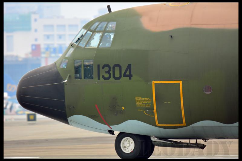 RCAF_1304_D641_08.jpg