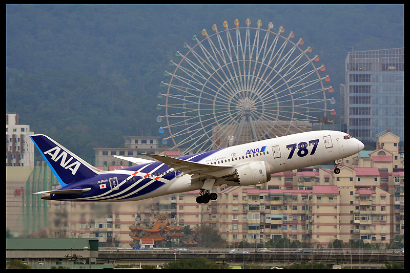 ANA_JA801A_NH852_HND_03.jpg