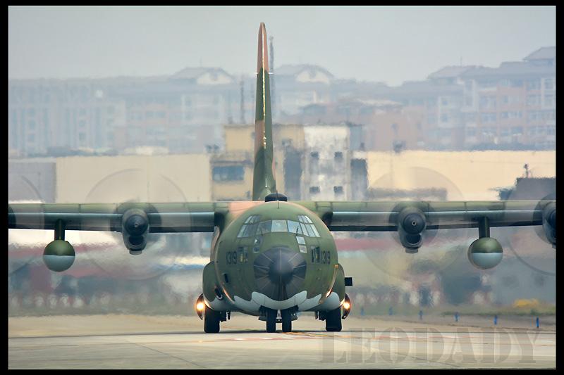 RCAF_1319_C63_01.jpg