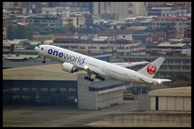 JAL_JA708J_JL98_HND_02.jpg