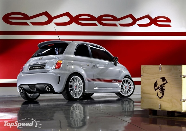 500-abarth-essesse-3_1600x0w.jpg