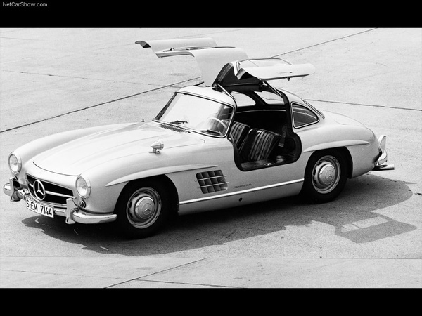 Mercedes-Benz-300_SL_Gullwing_1954_800x600_wallpaper_07.jpg