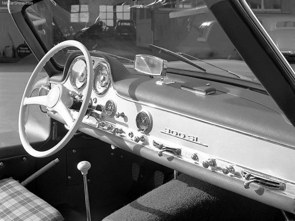 Mercedes-Benz-300_SL_Gullwing_1954_800x600_wallpaper_09.jpg