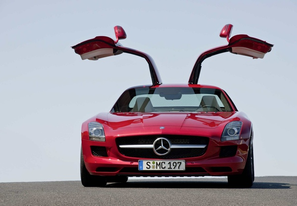 mb-sls-amg-gullwing-large_12.jpg