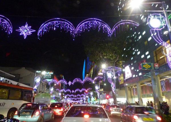 這是新加坡的聖誕 orchard road 街景氣氛很濃厚