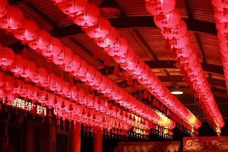 大紅燈籠高高掛.jpg