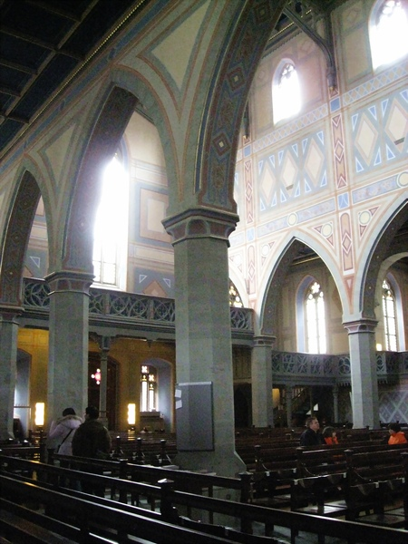 聖羅倫教堂內視圖