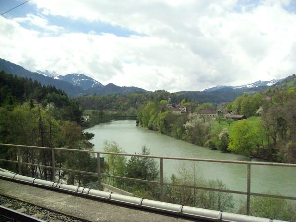 好美的河流