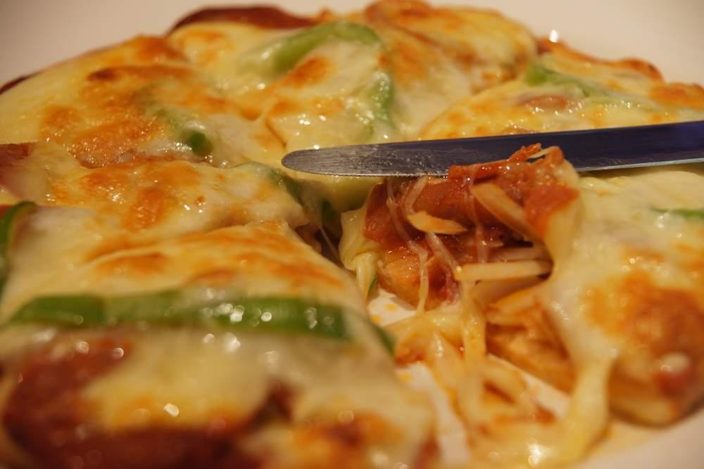 臘肉腸披薩2.JPG