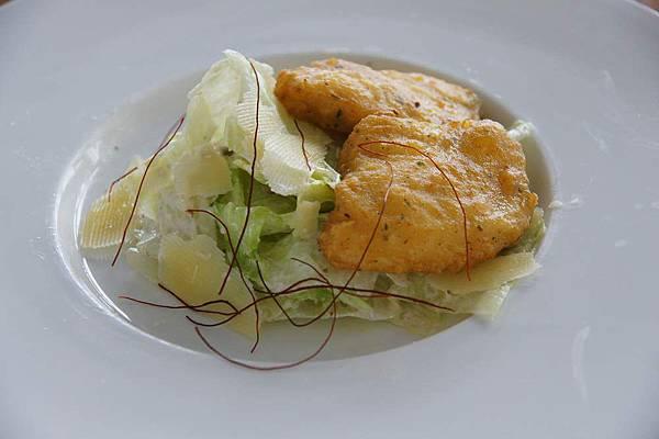凱薩深海魚沙拉.JPG