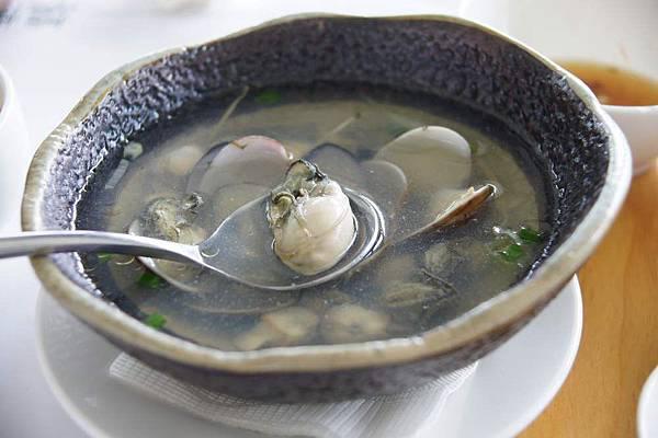 鮮蚵野蛤湯.JPG