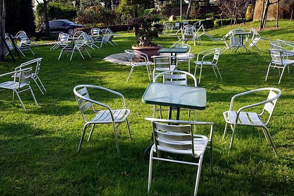 庭園椅子.JPG