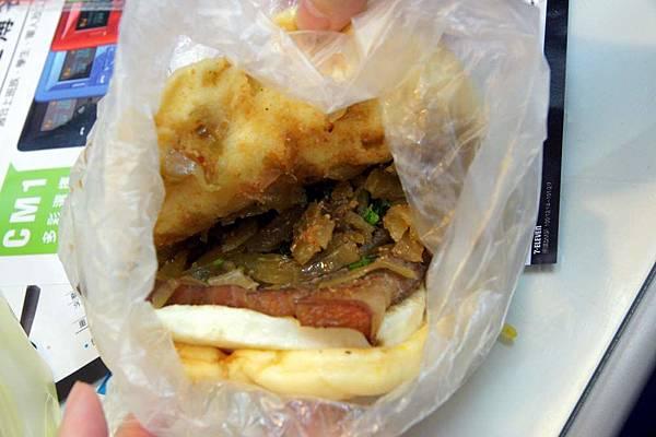 山豬肉大褂包2.JPG