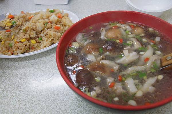 炒飯香菇湯.JPG