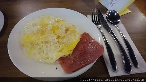彩虹酒店早餐
