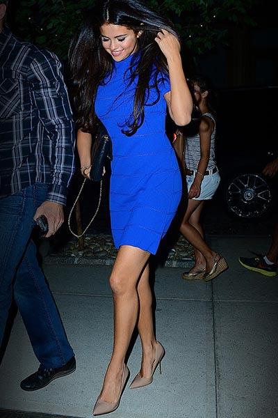 Selena_400x600.jpg