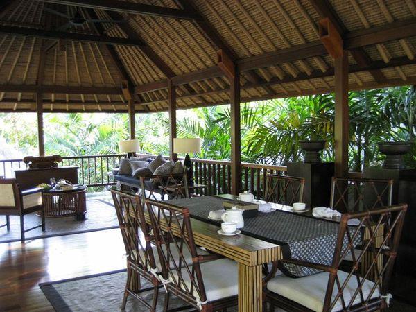 villa -living room (2).JPG