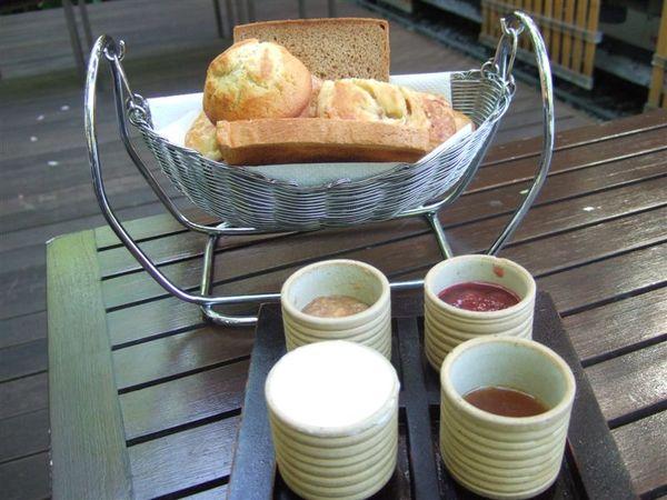 享用早餐 (3).JPG