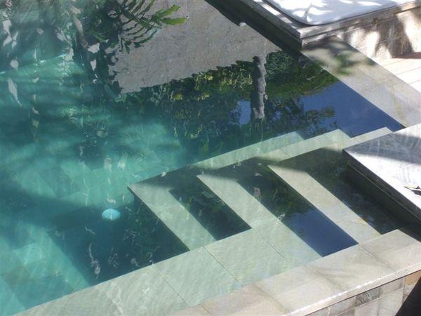 游泳池-水好清澈呀.JPG