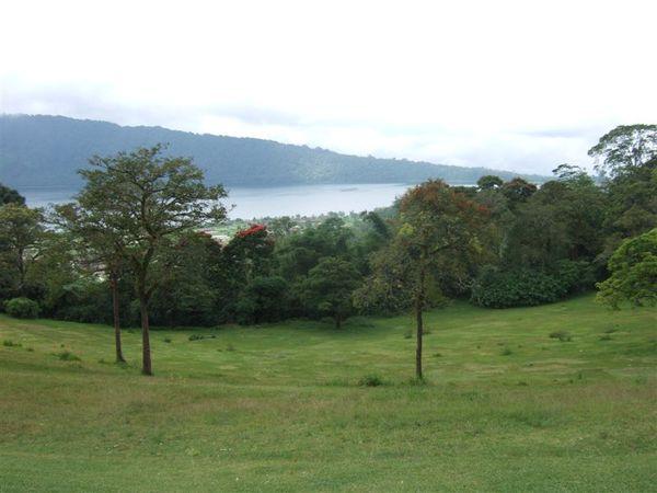 植物園 2-山上看湖 (1).JPG
