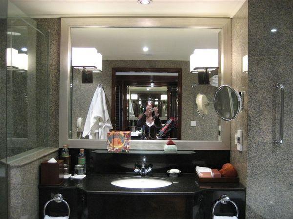 房間1-浴室.JPG