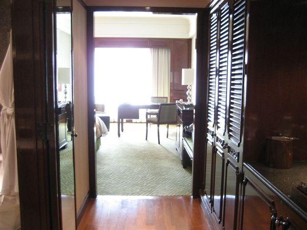 房間2-打開門.JPG