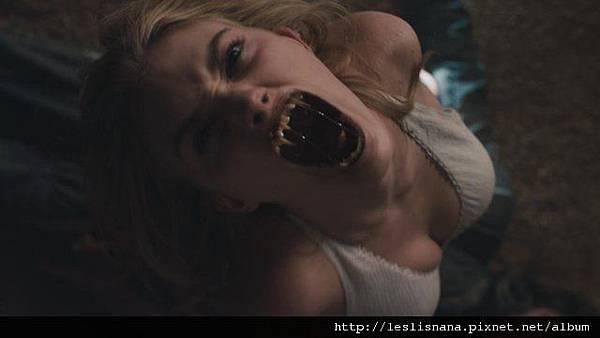吸血鬼就在隔壁6.jpg