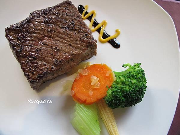 日盛牛肉.僑園吃到飽 2012-10-12 026