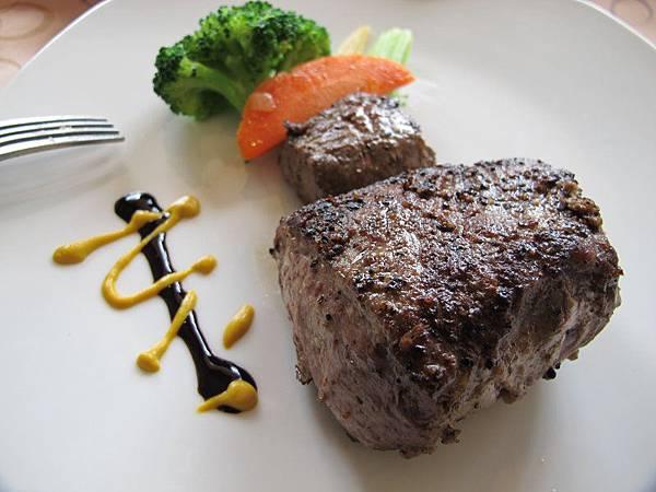 日盛牛肉.僑園吃到飽 2012-10-12 031