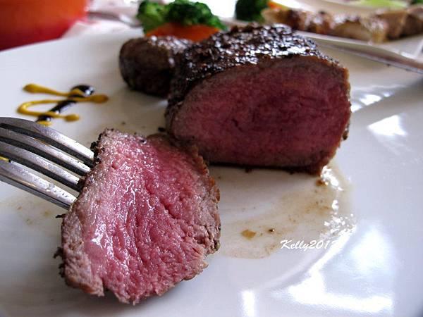 日盛牛肉.僑園吃到飽 2012-10-12 035
