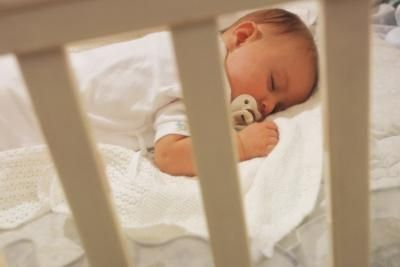 article-new_ehow_images_a05_2t_t1_baby-sleep-crib-after-cosleeping-800x800