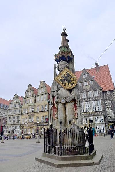 13-Bremen Roland statue