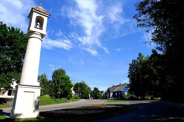 Lithuania_13_St. John Nepomuk Roadside Pole.JPG