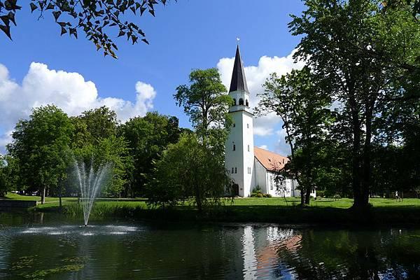 Latvia_24_Siguldas Evanģēliski Luteriskā baznīca.JPG