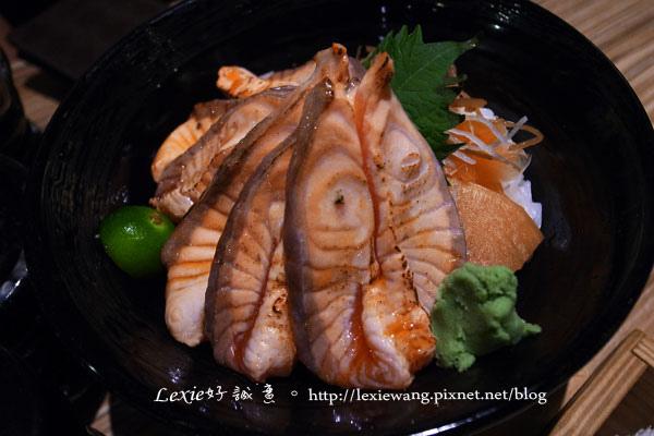 八番堂日本料理丼飯生魚片