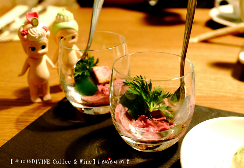 DIVINE-Coffee-&-Wine2