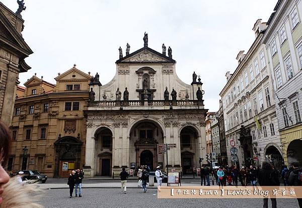 布拉格舊城區天文鐘2.jpg