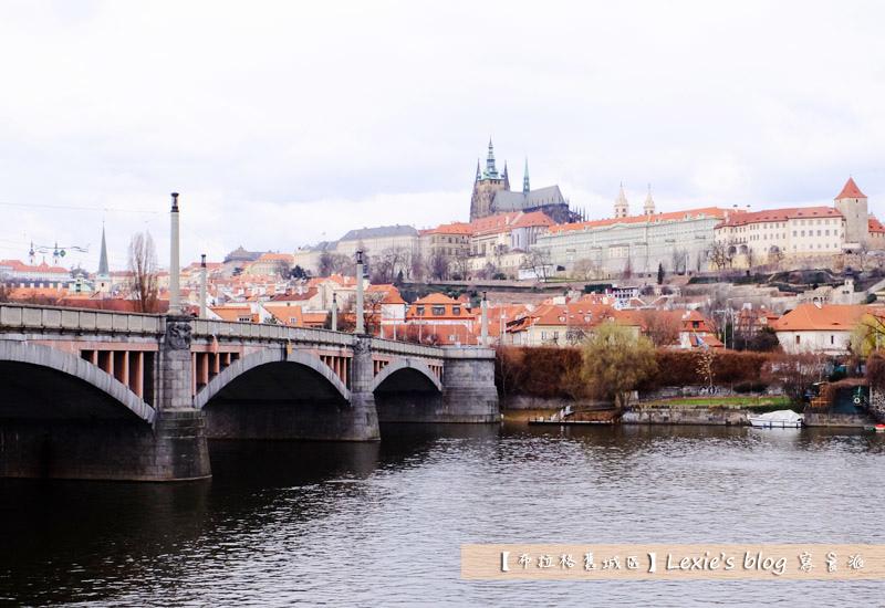布拉格舊城區天文鐘5.jpg