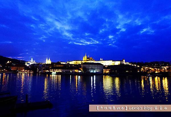 布拉格舊城區天文鐘8.jpg