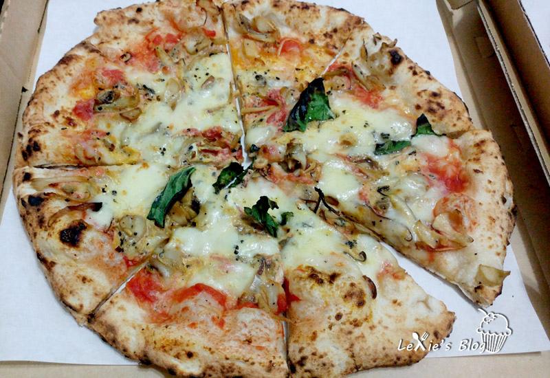 萬華cura-pzza3.jpg
