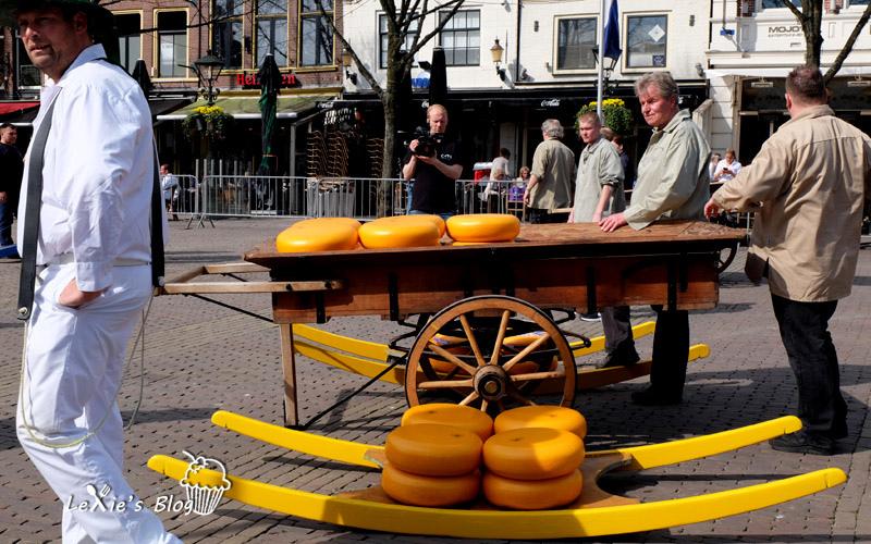 阿克瑪乳酪市集Alkmaar-cheese-market13.jpg