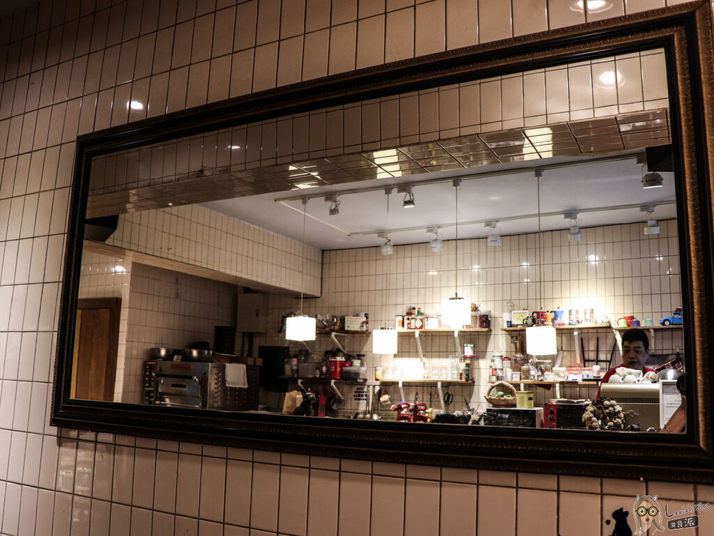 fly%5Cs Kitchen (12 - 18).jpg
