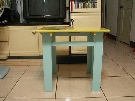 小孫女的桌腳-2