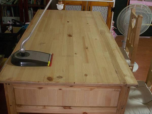 大書桌的桌面.JPG