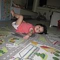學媽媽我躺在地上,哈哈哈