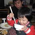筷子拿得好卻都不吃東西