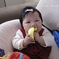 姊姊的鴨子玩具真好吃