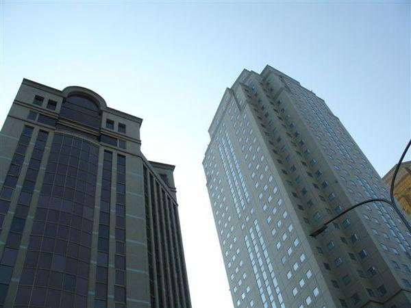 台中港路一段、英才路口的天際線