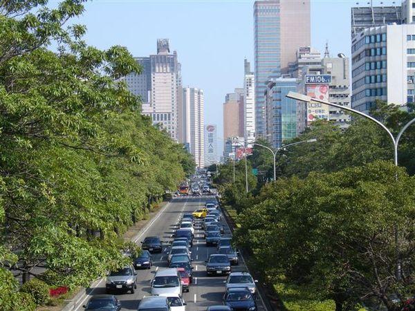台中港路二段