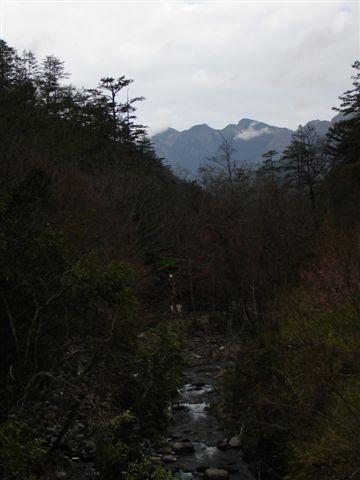 雪山溪與雪山主峰